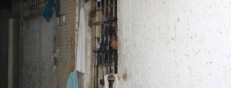En calabozos de Polisalias están hacinadas 40 personas