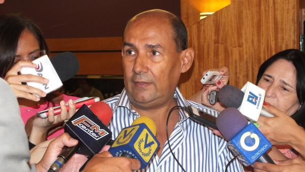 """Nieto Palma: Centros de detención preventiva presentan """"situación grave"""" de hacinamiento en Venezuela"""