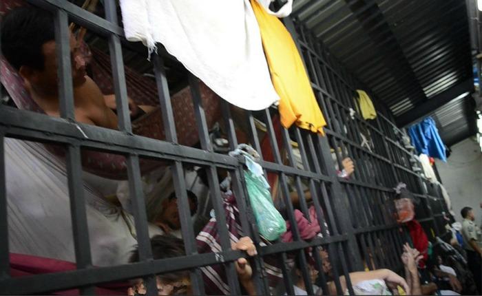 Protestas, represión y saqueos afectan rutina en comisarías de la Gran Caracas
