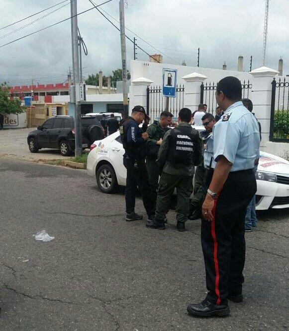 Pranes y policías escenificaron tiroteo en el retén de Cabimas