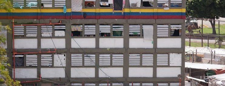 Sin agua y sin ingreso de paquetería permanecen en cárcel de El Rodeo