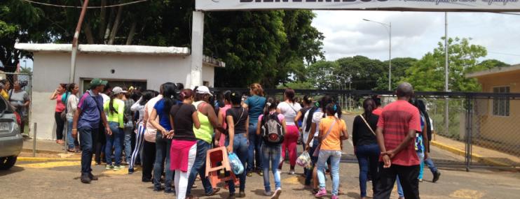 Familias de reclusos del Estado Bolívar claman más apoyo