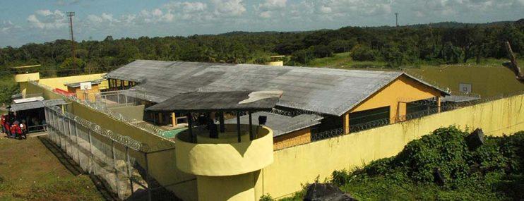 Familiares de presos larenses en El Dorado exigen traslados al Ministerio Penitenciario