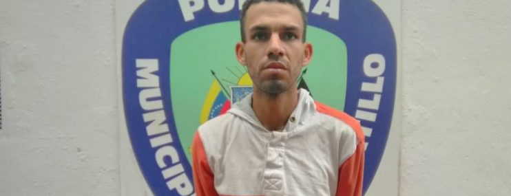 Funcionarios de Polihatillo buscan a preso que se evadió antes de ser ingresado en calabozos