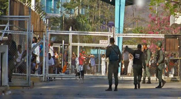 A golpes asesinaron a un privado de libertad en la cárcel de Puente Ayala