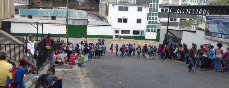 Caracas: Reclusos de cuatro calabozos policiales levantaron huelga de hambre, pero mantienen sus peticiones