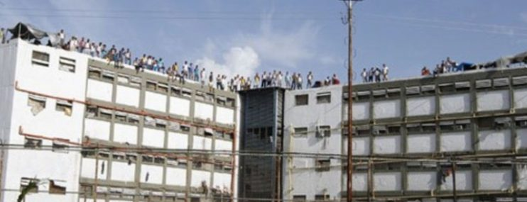 Miranda   Un preso muerto y otro herido deja tiroteo en la cárcel de Yare