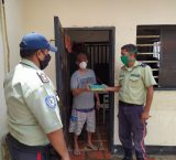 Familiares logran acuerdo con Policía Municipal de Vargas para garantizar comida a privados de libertad