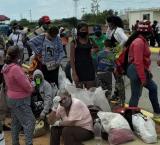 Zulia: Familiares recurren a la caridad y se aferran a los bonos del gobierno para llevar provisiones a los calabozos policiales