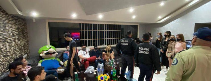 Caracas: Polichacao detuvo a 22 personas por realizar fiesta durante estado de alarma