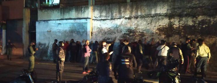 Miranda: Colectivos intentaron tomar sede de Policarrizal para rescatar a compañero