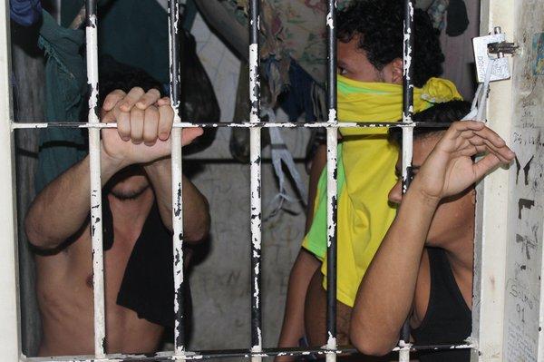 En huelga de hambre desde el viernes 13 privados de libertad en Politorbes