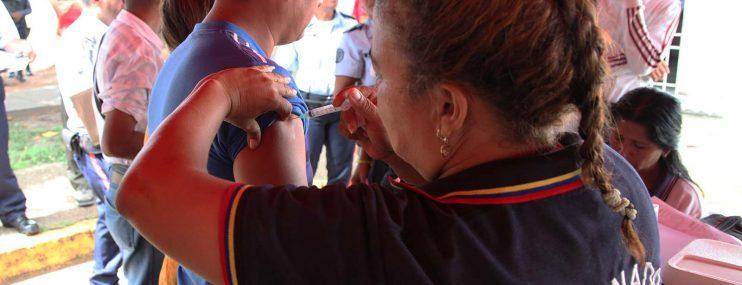 Reclusos de Polimonagas reciben atención médica
