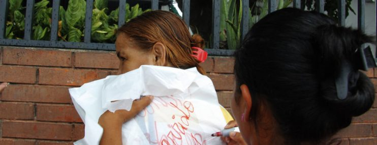 """Con """"trastes"""" de verduras alimentan presos de la GNB en Lara"""