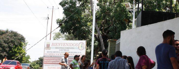 Zulia: A los manifestantes de Lagunillas los encerraron en una jaula de la GNB tras torturarlos en Impol