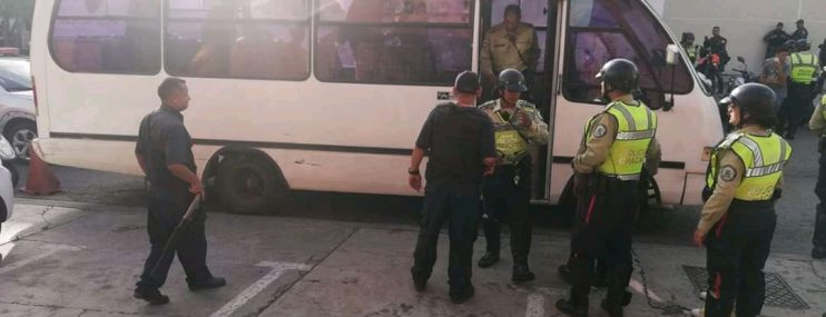 Caracas: Finalizó motín en Polichacao con traslado de ocho presos a la cárcel de Rodeo