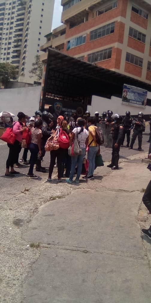 Caracas: Estas son las dos versiones de la situación irregular registrada en la PNB de Boleíta