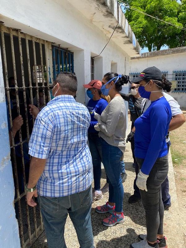 Llevan alimentos a jóvenes del Centro del Internamiento de Los Cocos en Nueva Esparta