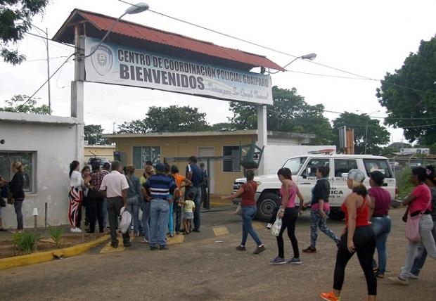 5 dólares semanales pagan familiares de detenidos en comisaría de Ciudad Guayana
