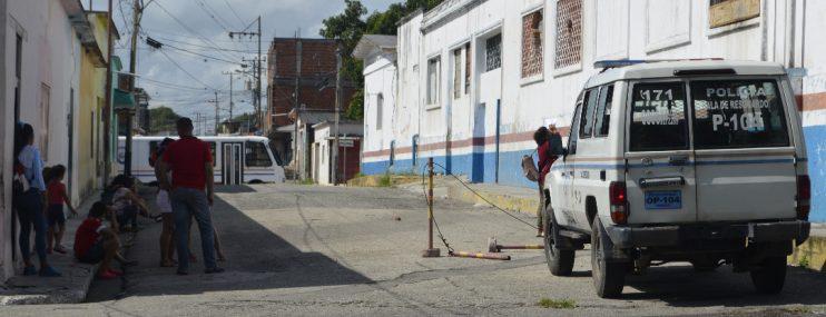 Yaracuy: Familiares de presos de la Comandancia de Policía denuncian que las restricciones de la cuarentena les impide llevarle alimentos y medicinas a tiempo