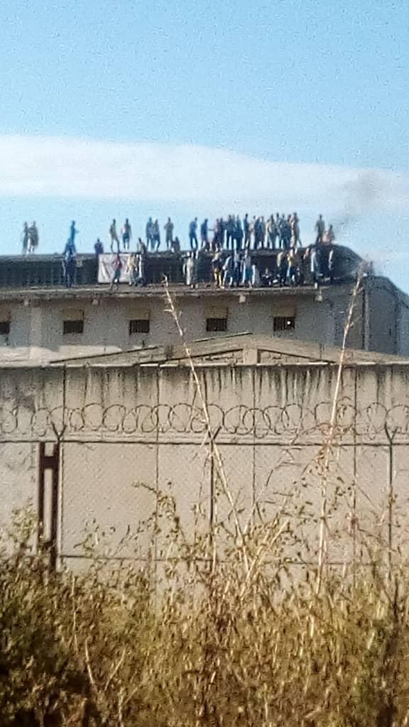 """Carabobo: Por hambre se amotinan reclusos del Centro de Formación Hombre Nuevo """"El Libertador"""""""